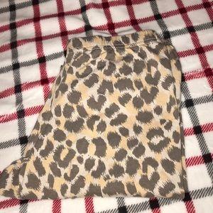Old Navy Leopard Leggings